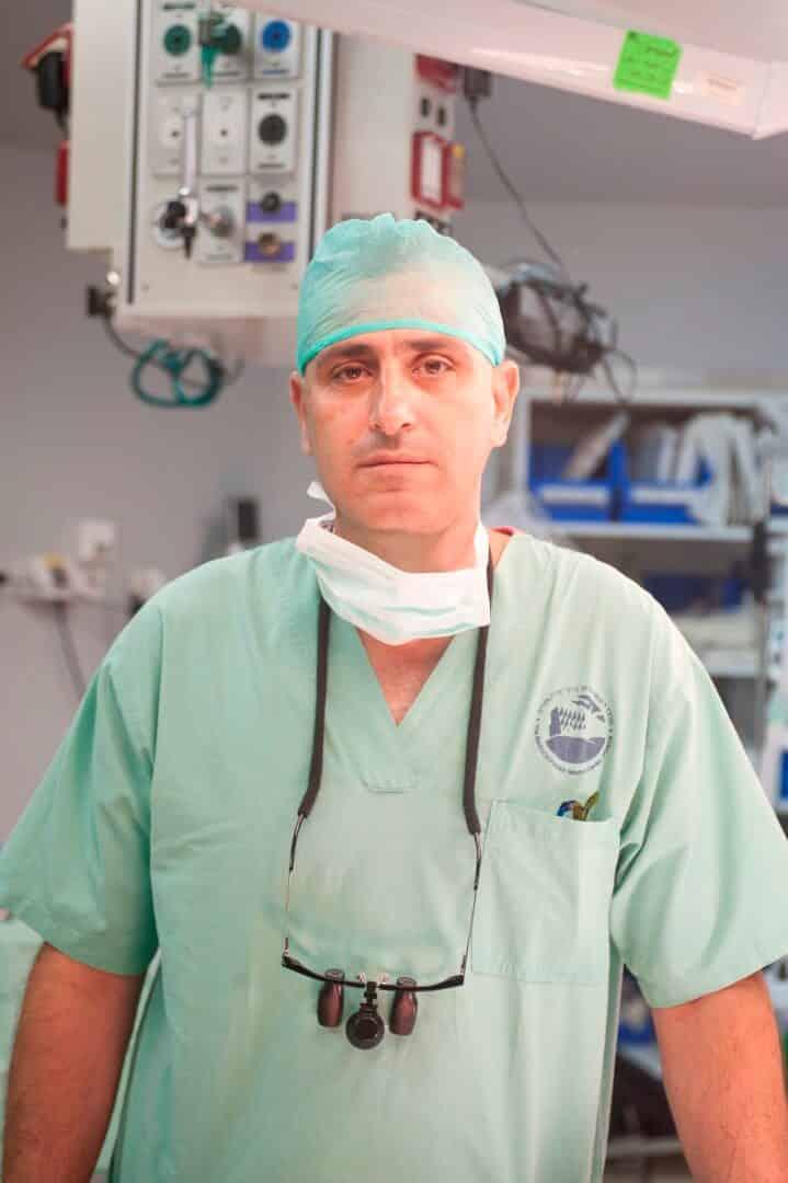 עימאד-אבו-אל-נעאג-פרופסור-ביח-פוריה-שיניים