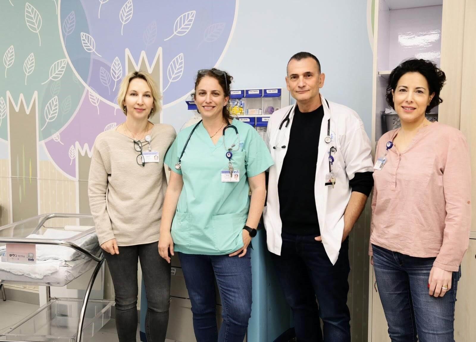 ד״ר לורנס מנגל (מימין), פרופ׳ דרור מנדל, ד״ר רונלה מרום ופרופ׳ רונית לובצקי. צילום: מירי גטניו